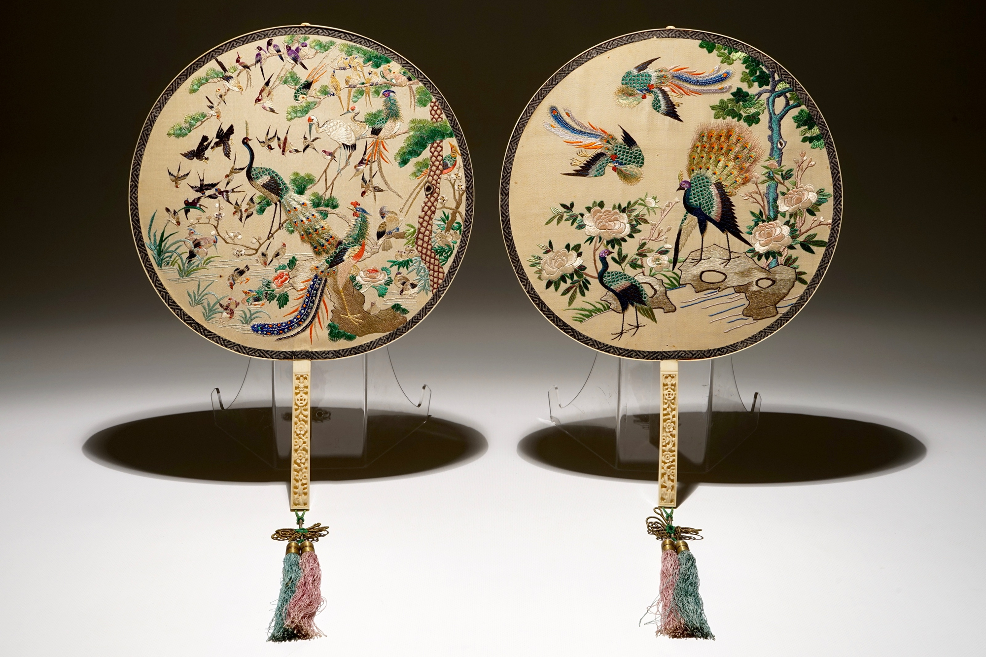 Two Chinese embroidered silk pien mien fans with ivory handle, 18/19th C.