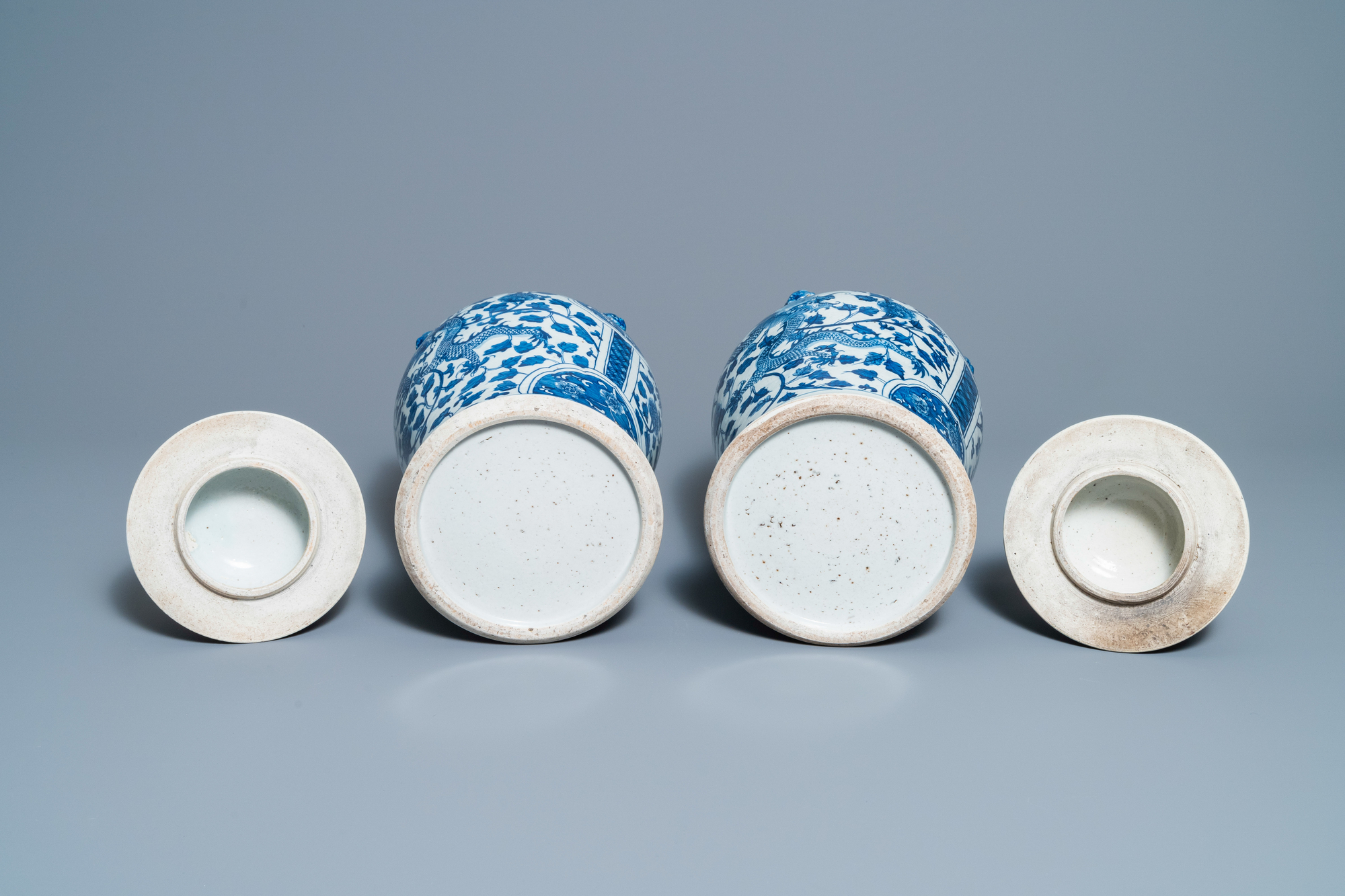 Two pairs of Chinese blue and white and famille verte vases and covers, 19/20th C. - Image 7 of 9