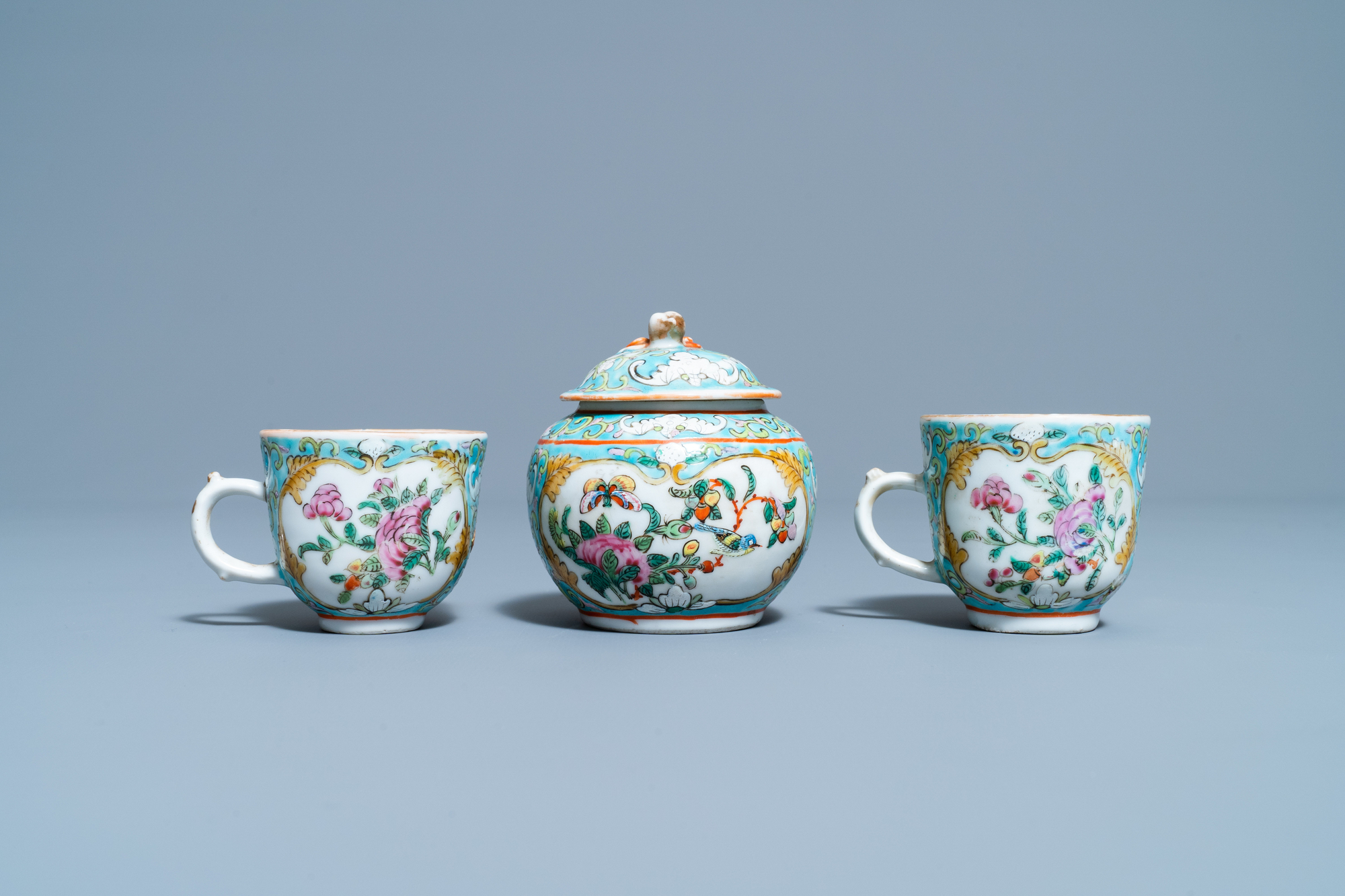 A Chinese famille rose 'tete-a-tete' tea service on tray, 19th C. - Image 7 of 10