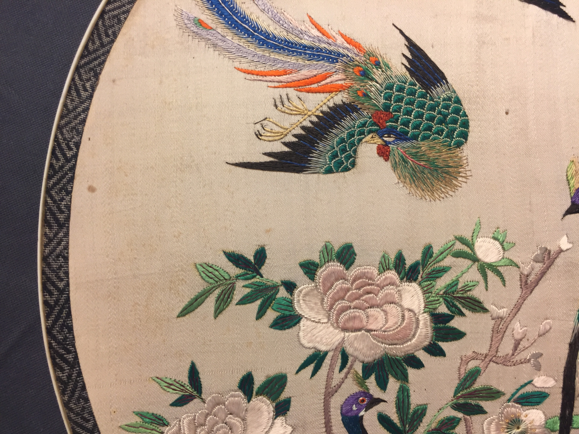 Two Chinese embroidered silk pien mien fans with ivory handle, 18/19th C. - Image 14 of 61