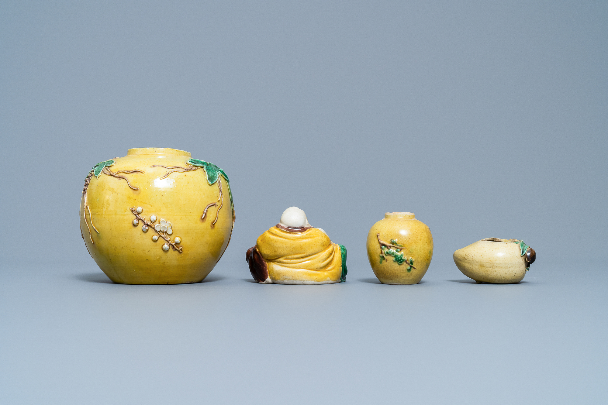 Two Chinese biscuit jars, a Buddha figure and a brushwasher, 19/20th C. - Image 4 of 7