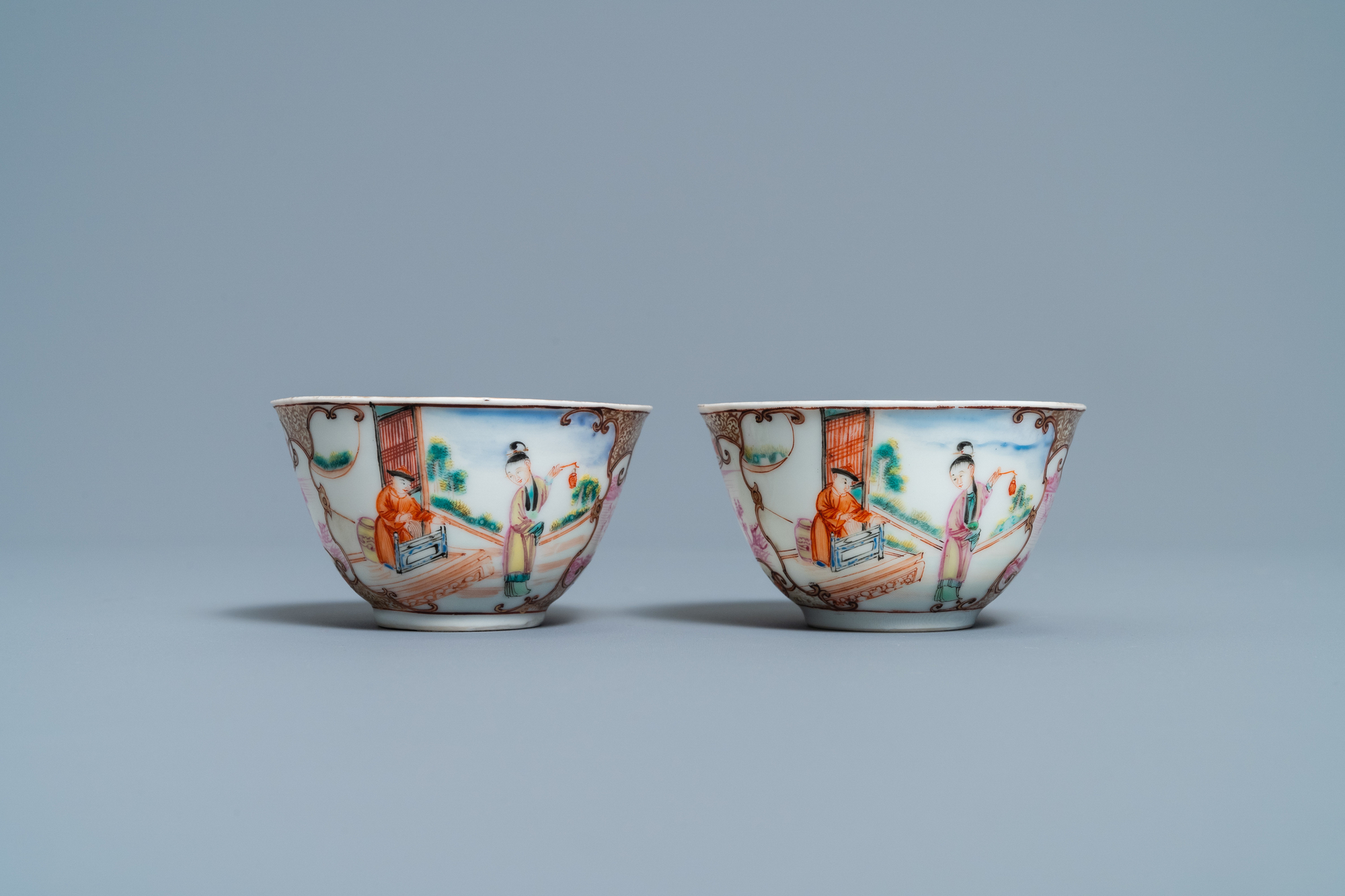 A pair of fine Chinese famille rose 'Mandarin' cups and saucers, Qianlong - Image 6 of 9