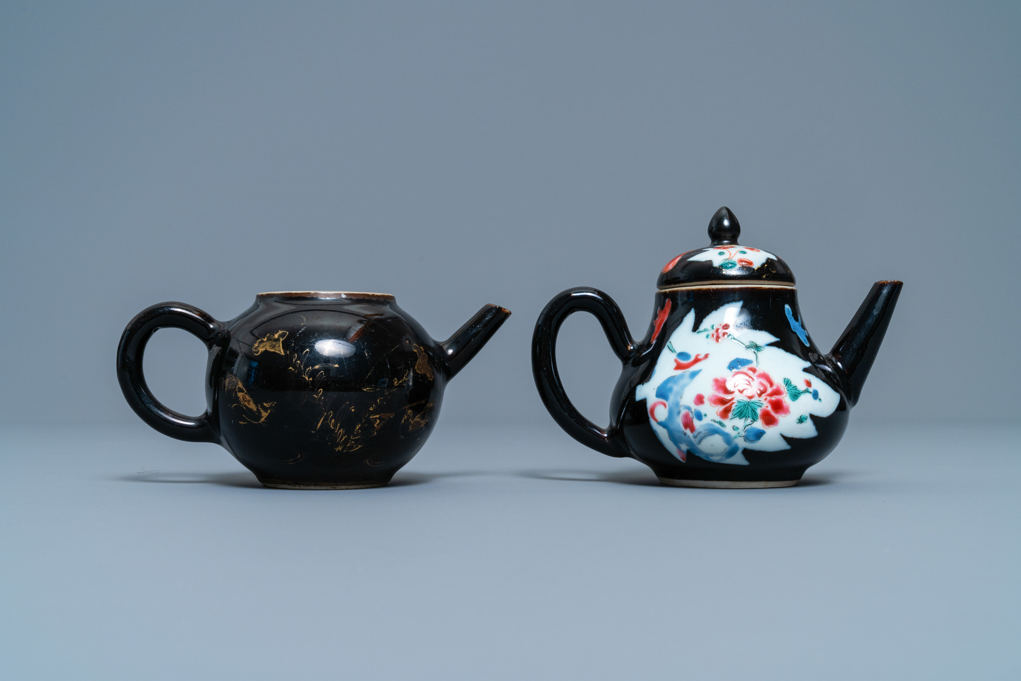 Two Chinese famille noire teapots, a pattipan and two spoon trays, Yongzheng/Qianlong - Image 6 of 9
