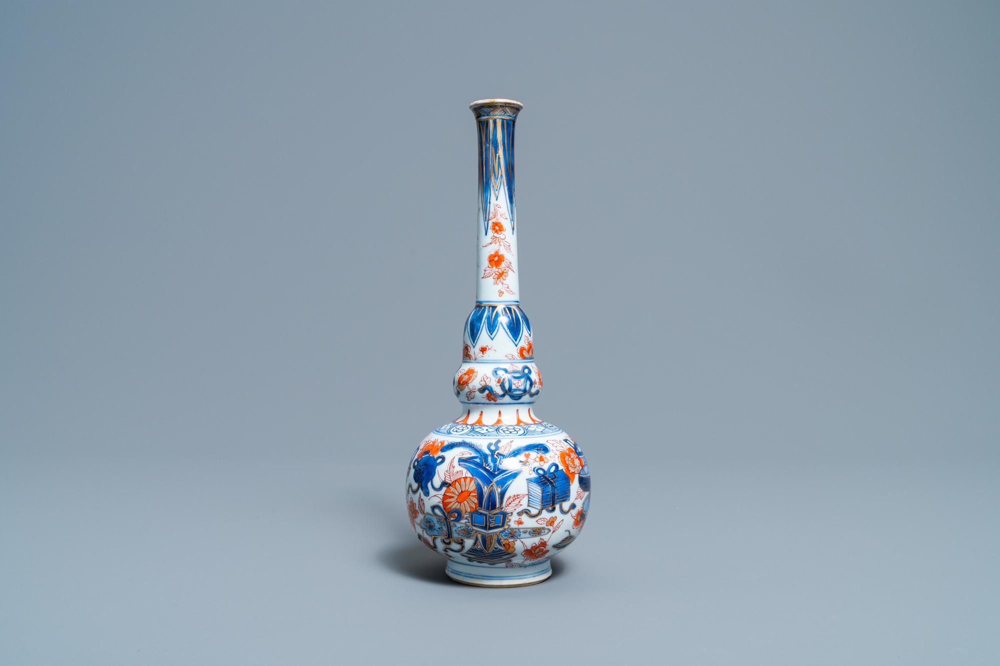 A Chinese Imari-style bottle vase, Kangxi