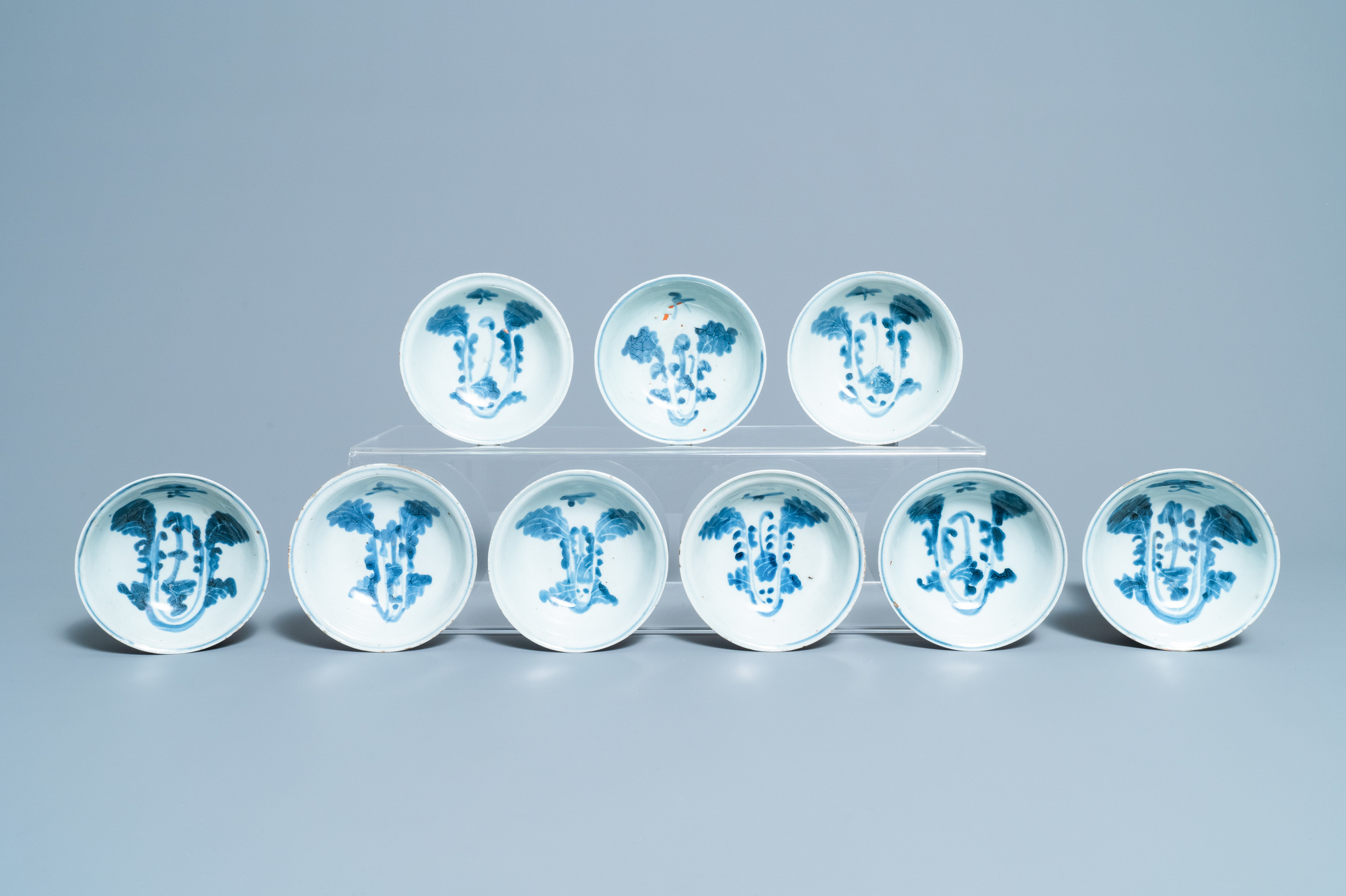 Seventeen Chinese blue and white 'cabbage' bowls, Transitional period - Image 4 of 5