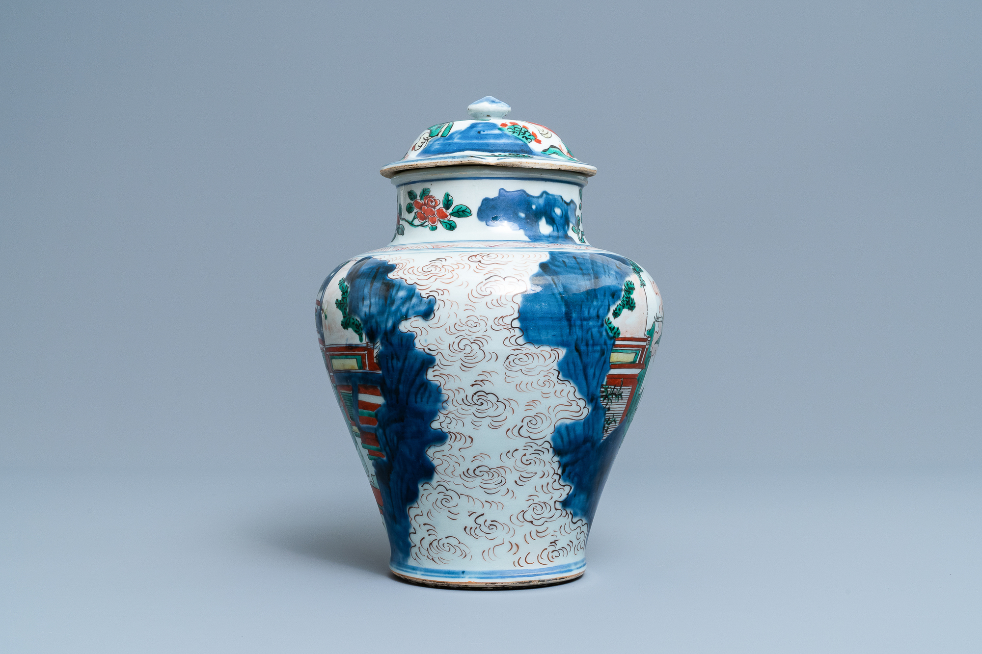 A Chinese wucai 'immortals' vase and cover, Shunzhi - Image 4 of 33