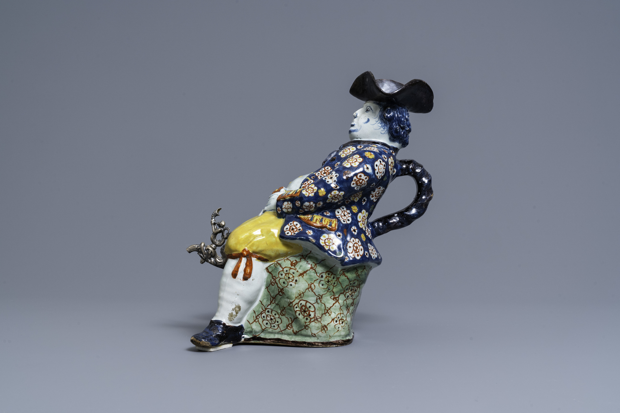 A large polychrome Dutch Delft 'Bobbejak' table fountain, 18th C. - Image 5 of 9