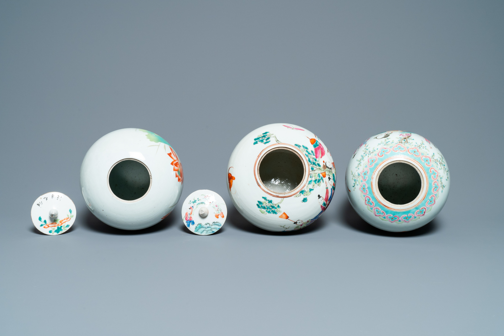 Six Chinese famille rose and verte vases, 19/20th C. - Image 6 of 13