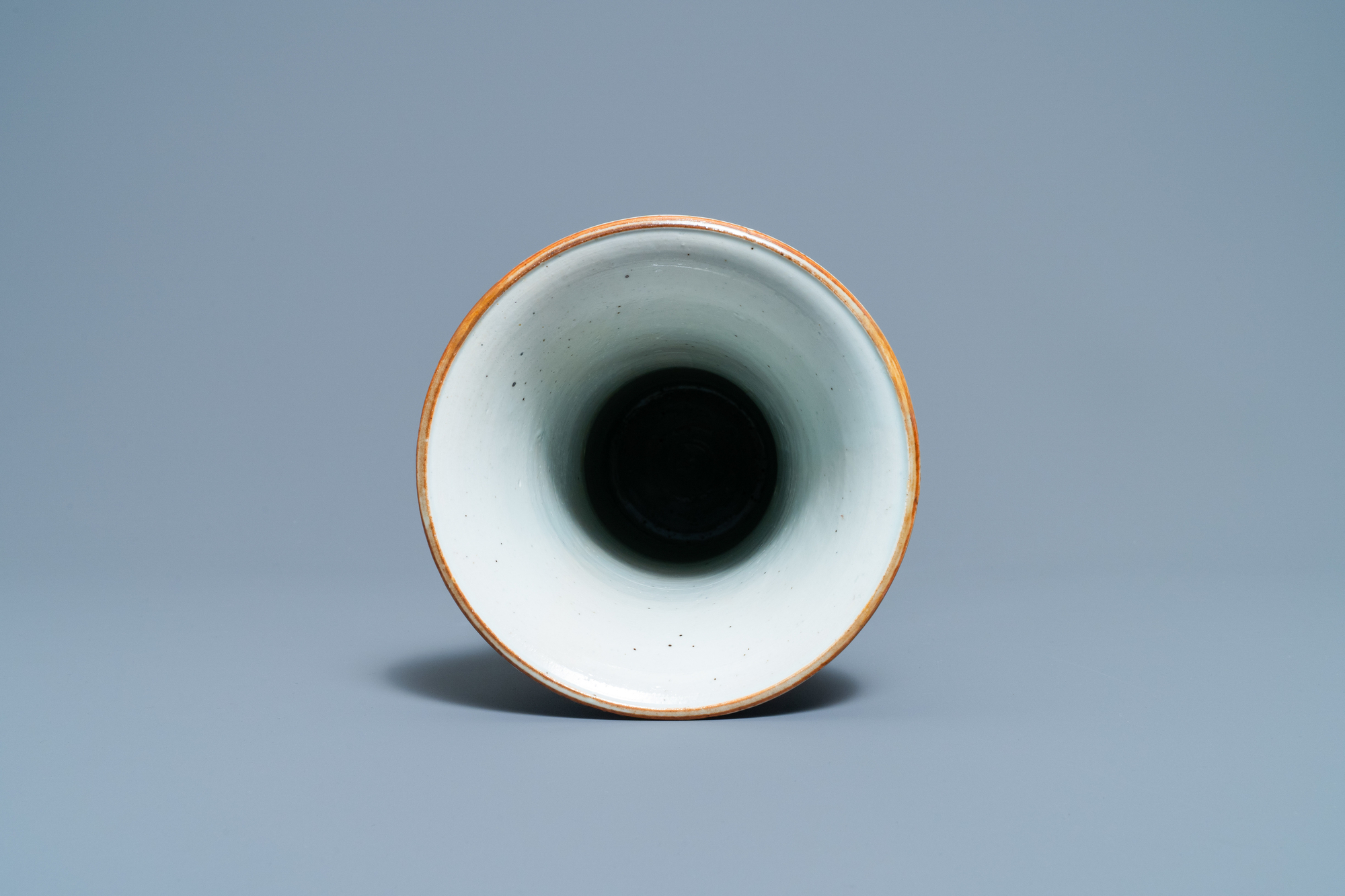 A Chinese wucai 'pheasant' vase, Transitional period - Image 5 of 6