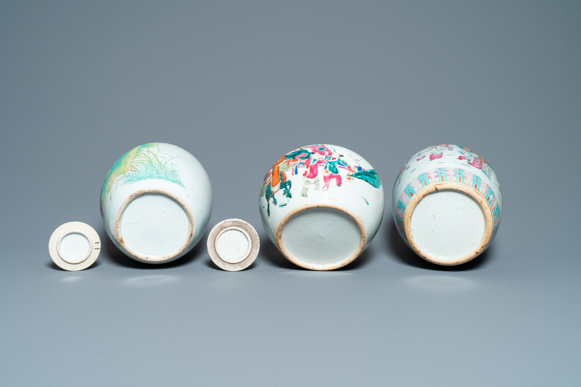 Six Chinese famille rose and verte vases, 19/20th C. - Image 7 of 13
