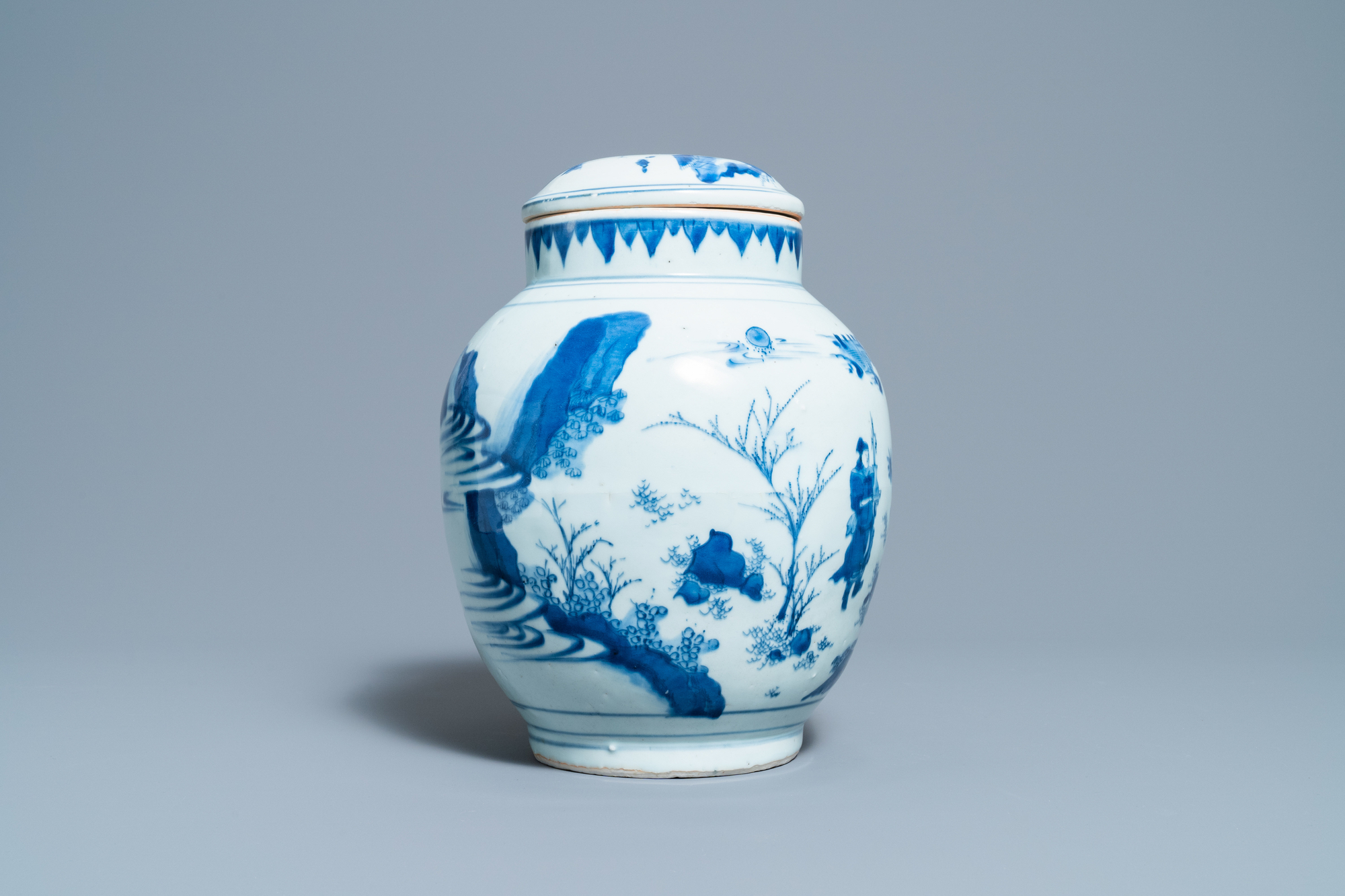 A Chinese blue and white jar and cover with figures in a landscape, Transitional period - Image 5 of 13