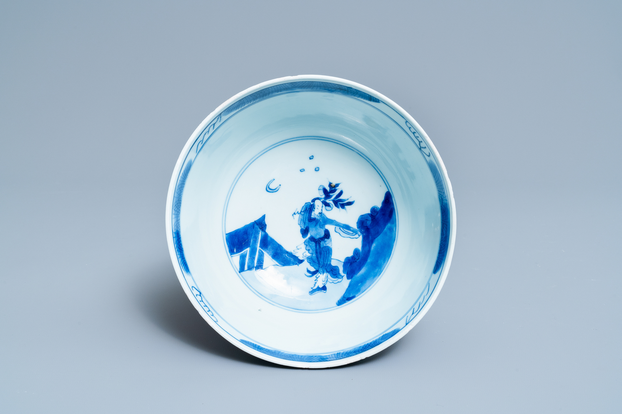 A Chinese blue and white 'immortals' bowl, Kangxi - Image 7 of 31
