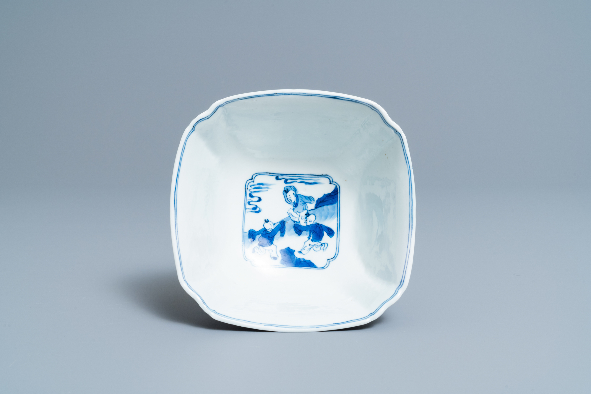 A Chinese square blue and white bowl, Chenghua mark, Kangxi - Image 6 of 7