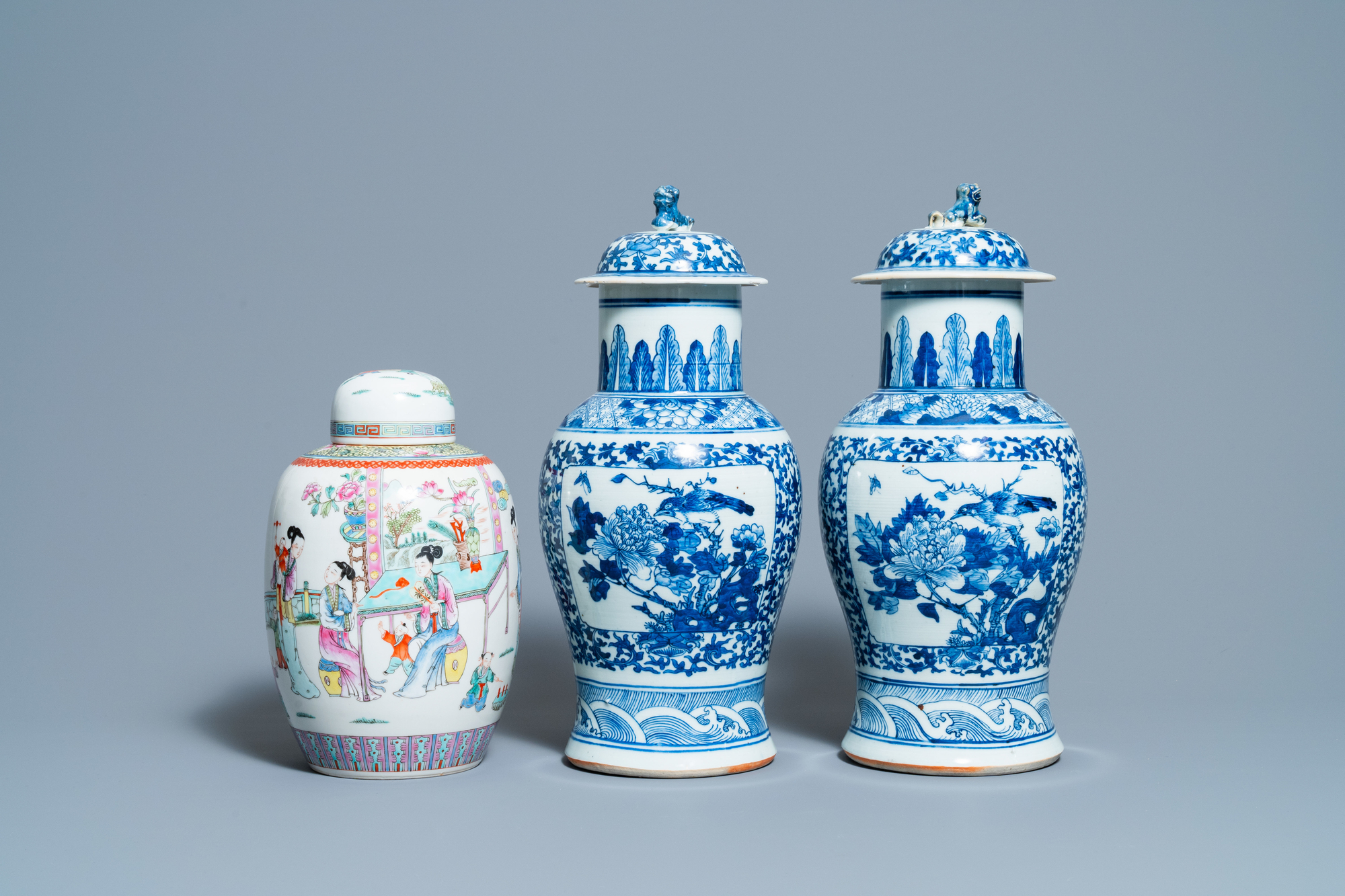 A pair of Chinese blue and white vases and a famille rose jar and cover, 19/20th C. - Image 2 of 9