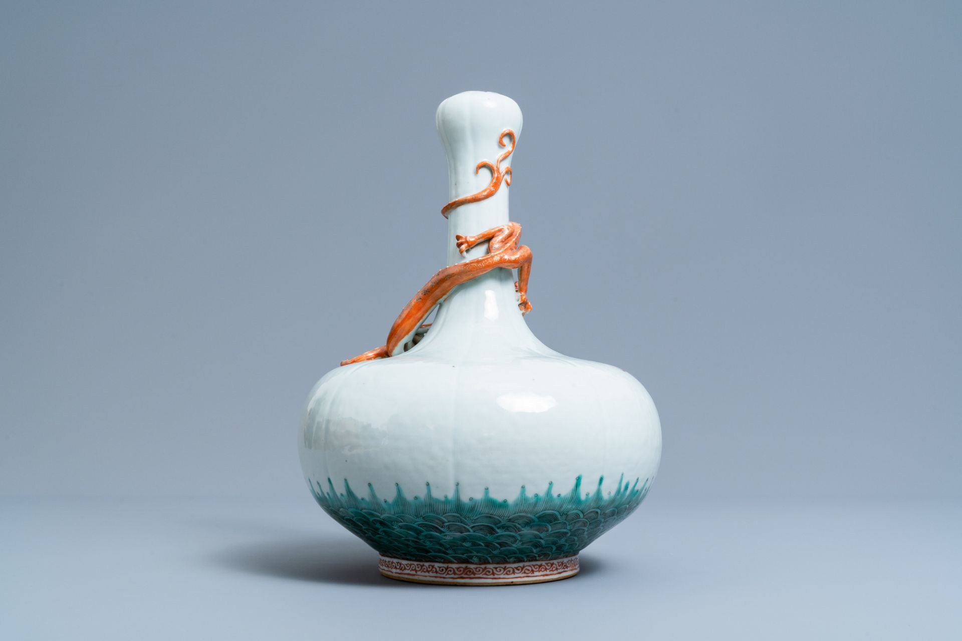 A Chinese white-glazed garlic head vase with an applied dragon, 19th C. - Image 2 of 5