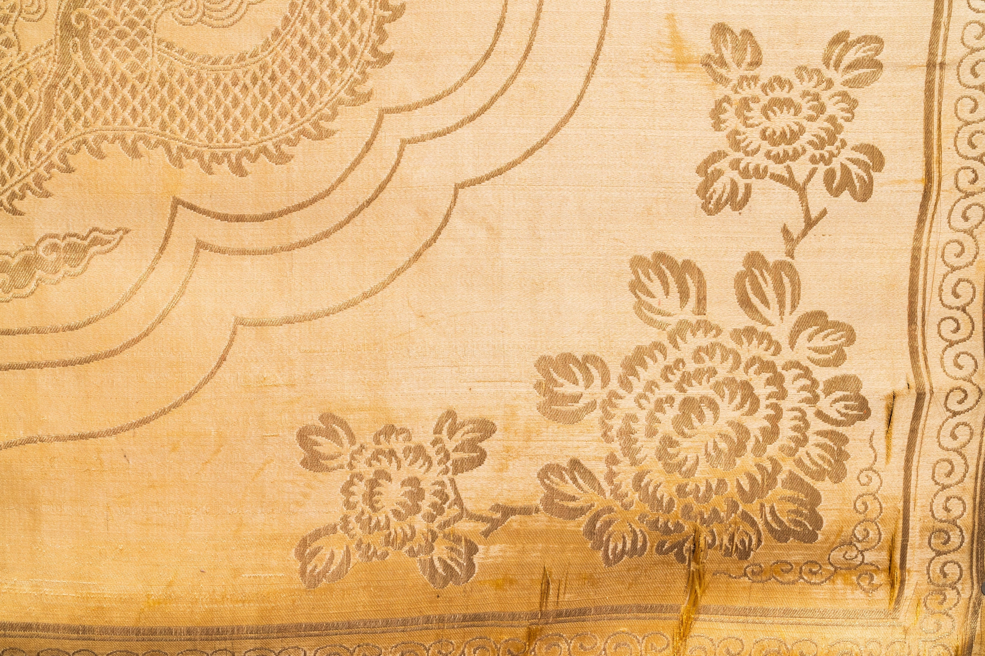 Three Chinese panels of embroidered silk, 19/20th C. - Image 10 of 17