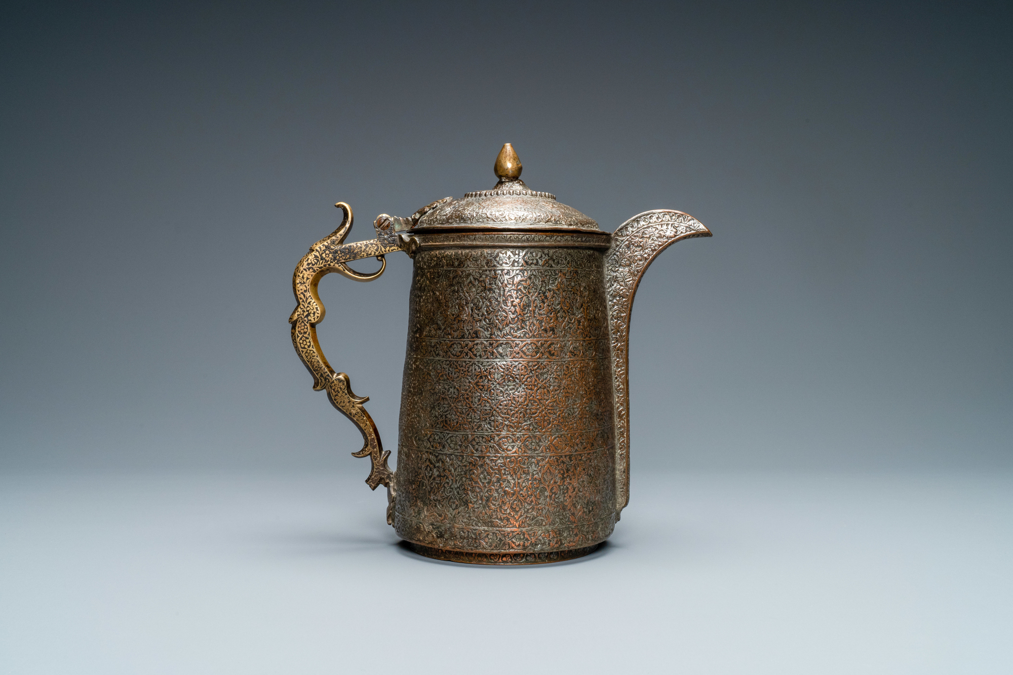 A Safavid parcel-gilt and tinned copper mug and cover, Persia, 17/18th C. - Image 3 of 7