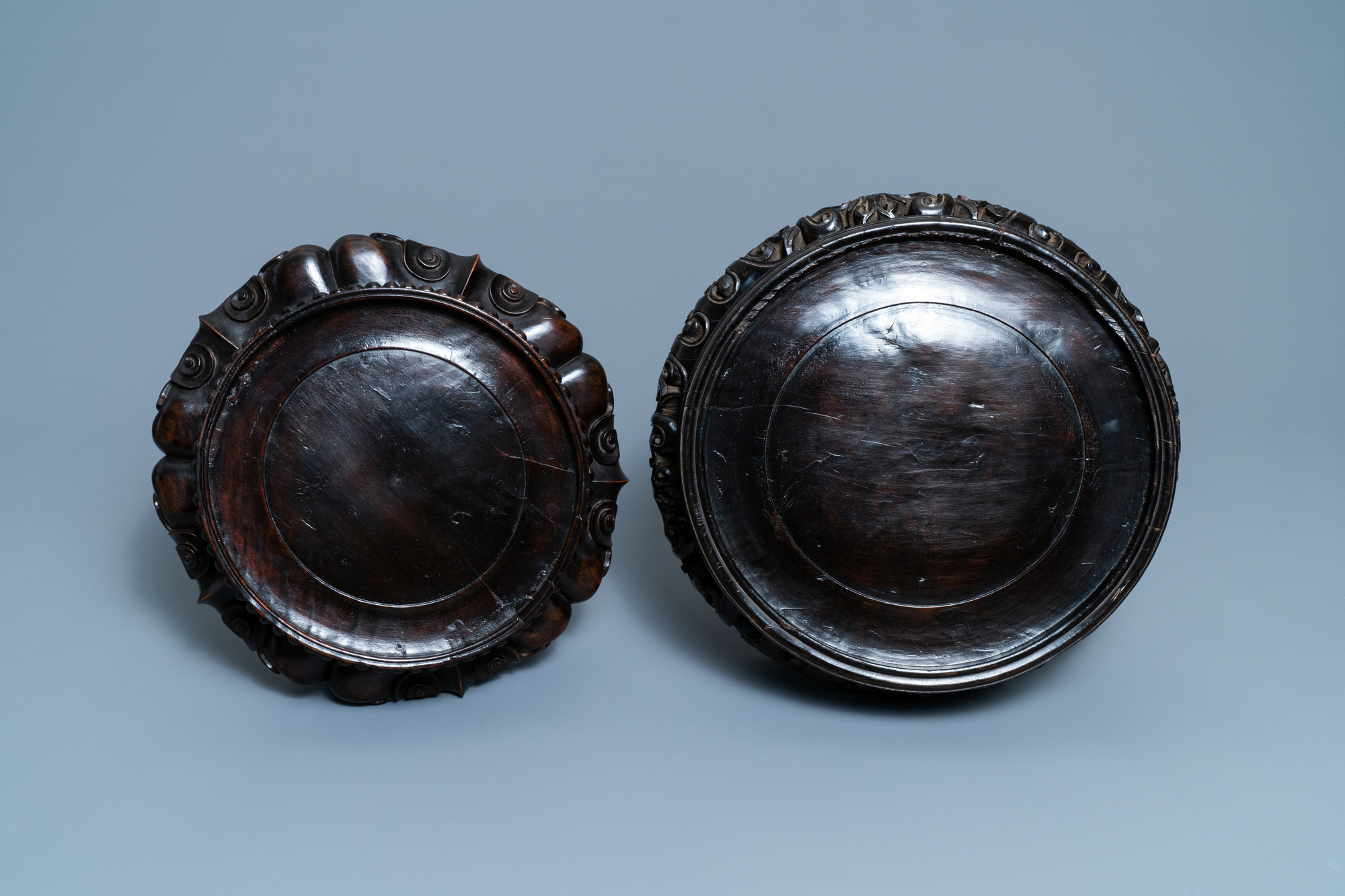 Two large Chinese reticulated wooden stands, 18/19th C. - Image 6 of 7