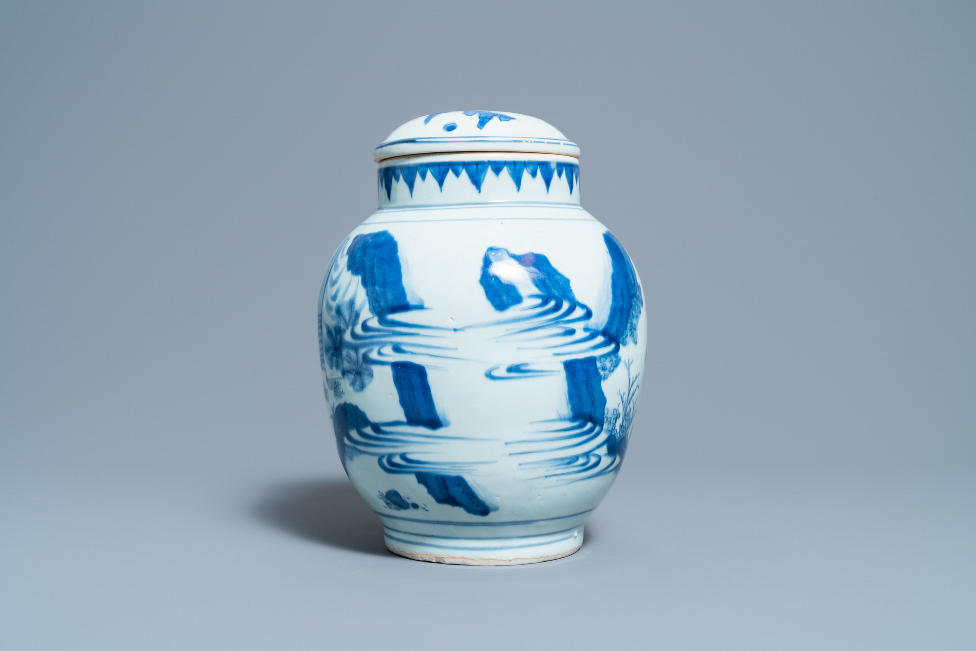 A Chinese blue and white jar and cover with figures in a landscape, Transitional period - Image 4 of 13