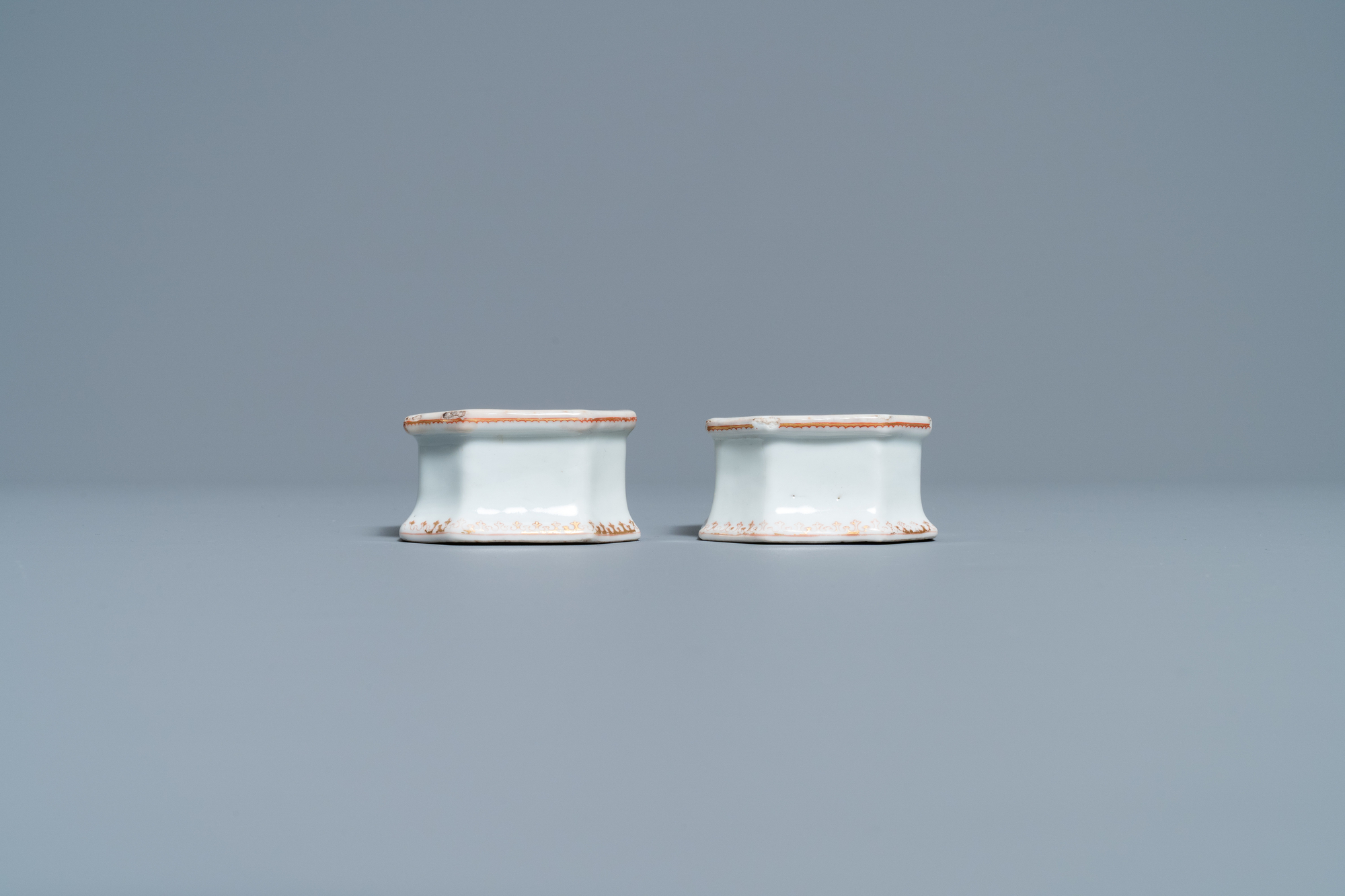 A pair of Chinese Scottish market Ross of Balnagowan armorial salt cellars, Qianlong - Image 3 of 7