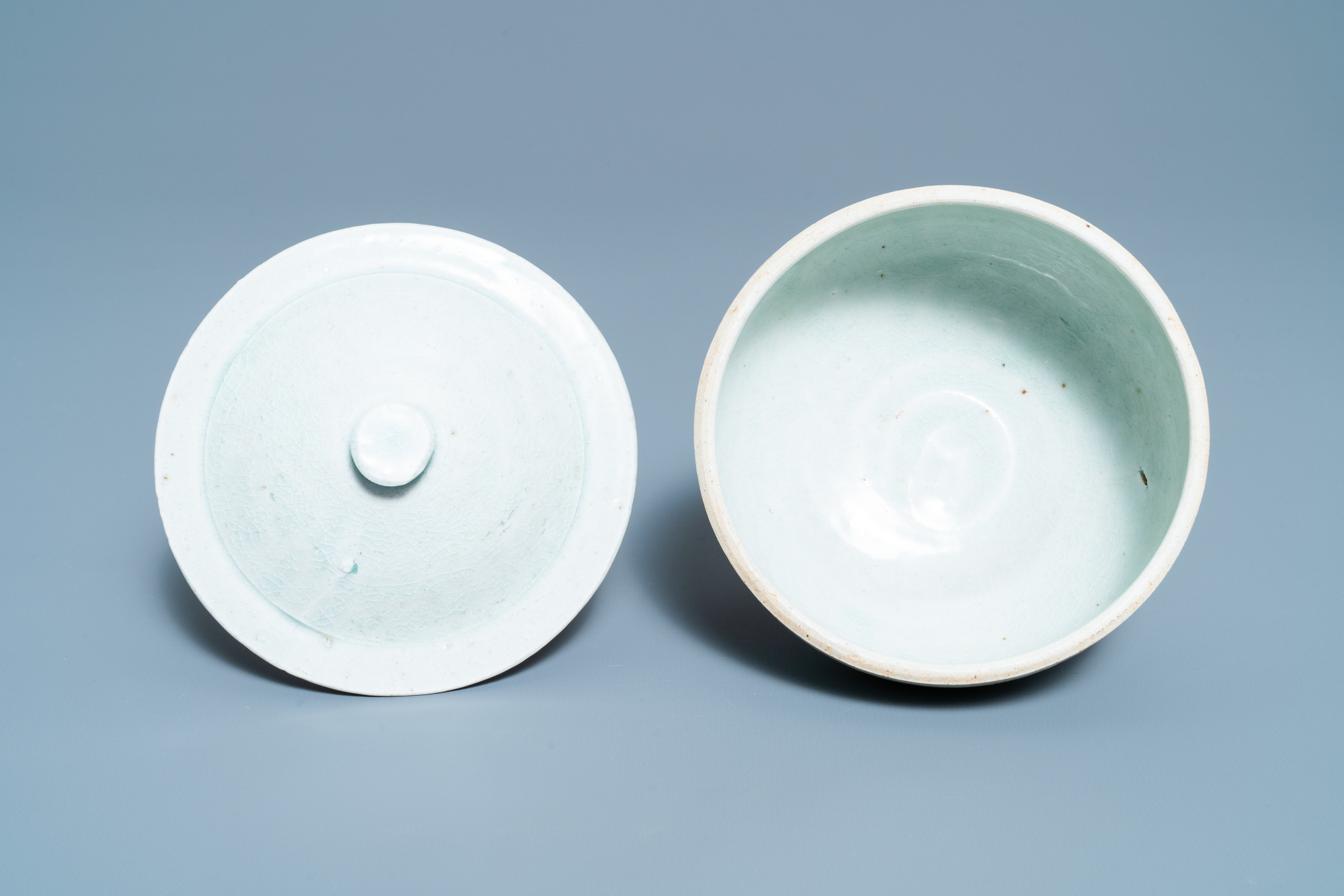 A Chinese qingbai molded 'fish' dish and a bowl with cover, Song/Yuan - Image 10 of 11