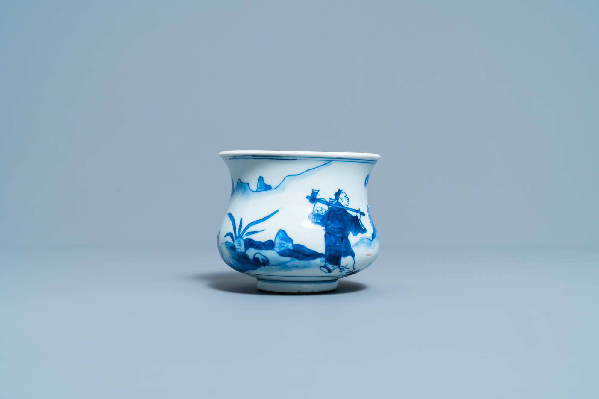 A Chinese blue and white censer with figures in a landscape, Kangxi - Image 5 of 7