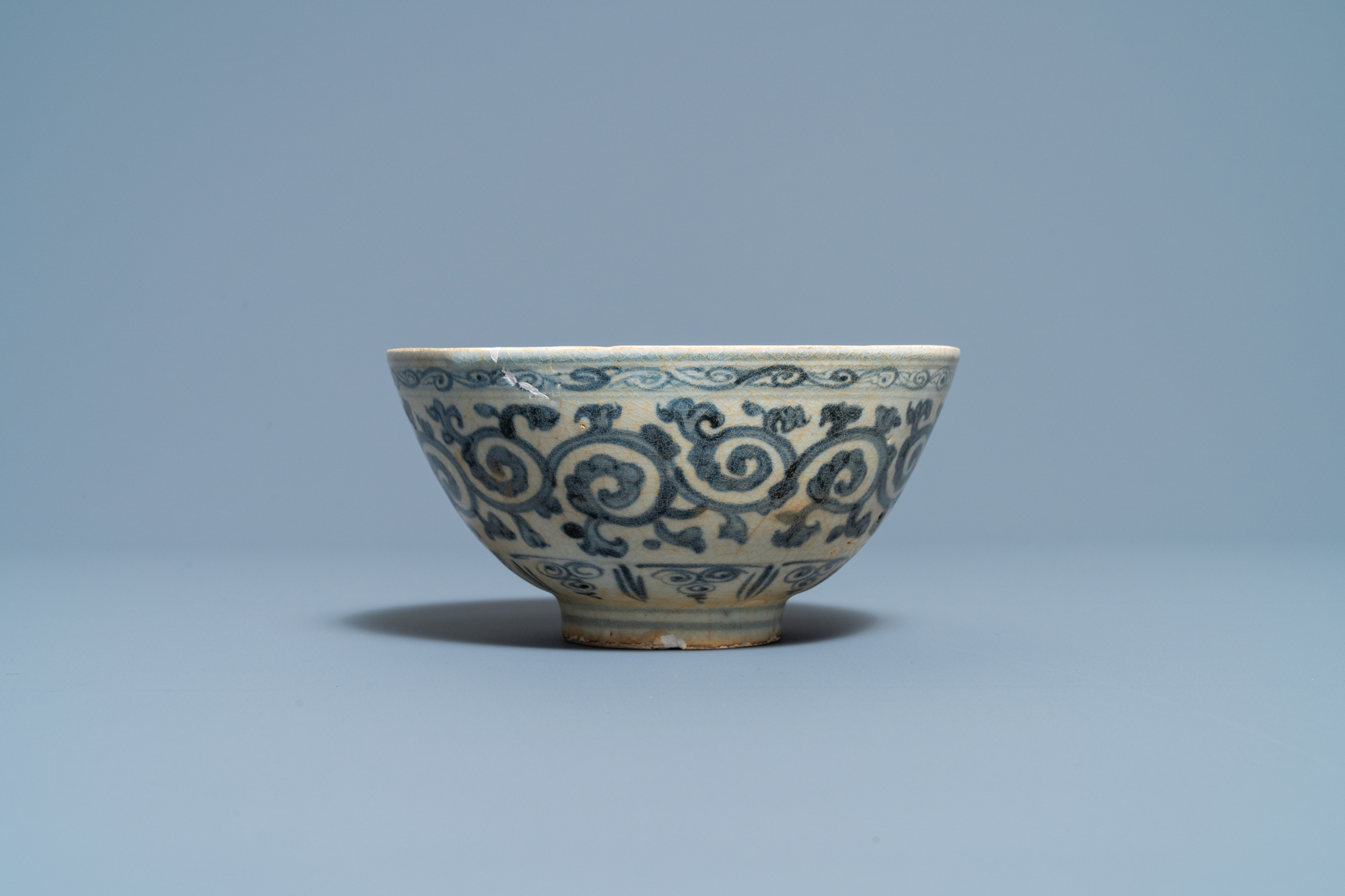 Four blue and white Vietnamese or Annamese ceramics and a Chinese jarlet, 15/16th C. - Image 2 of 12