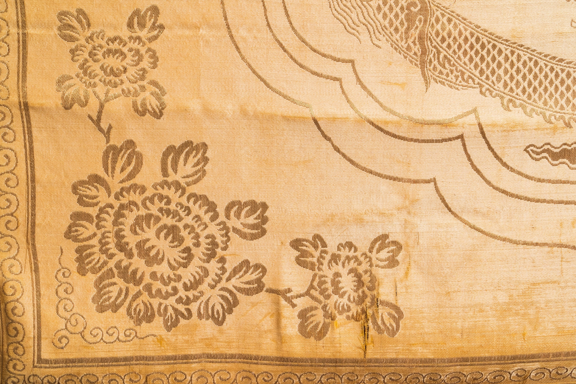 Three Chinese panels of embroidered silk, 19/20th C. - Image 11 of 17