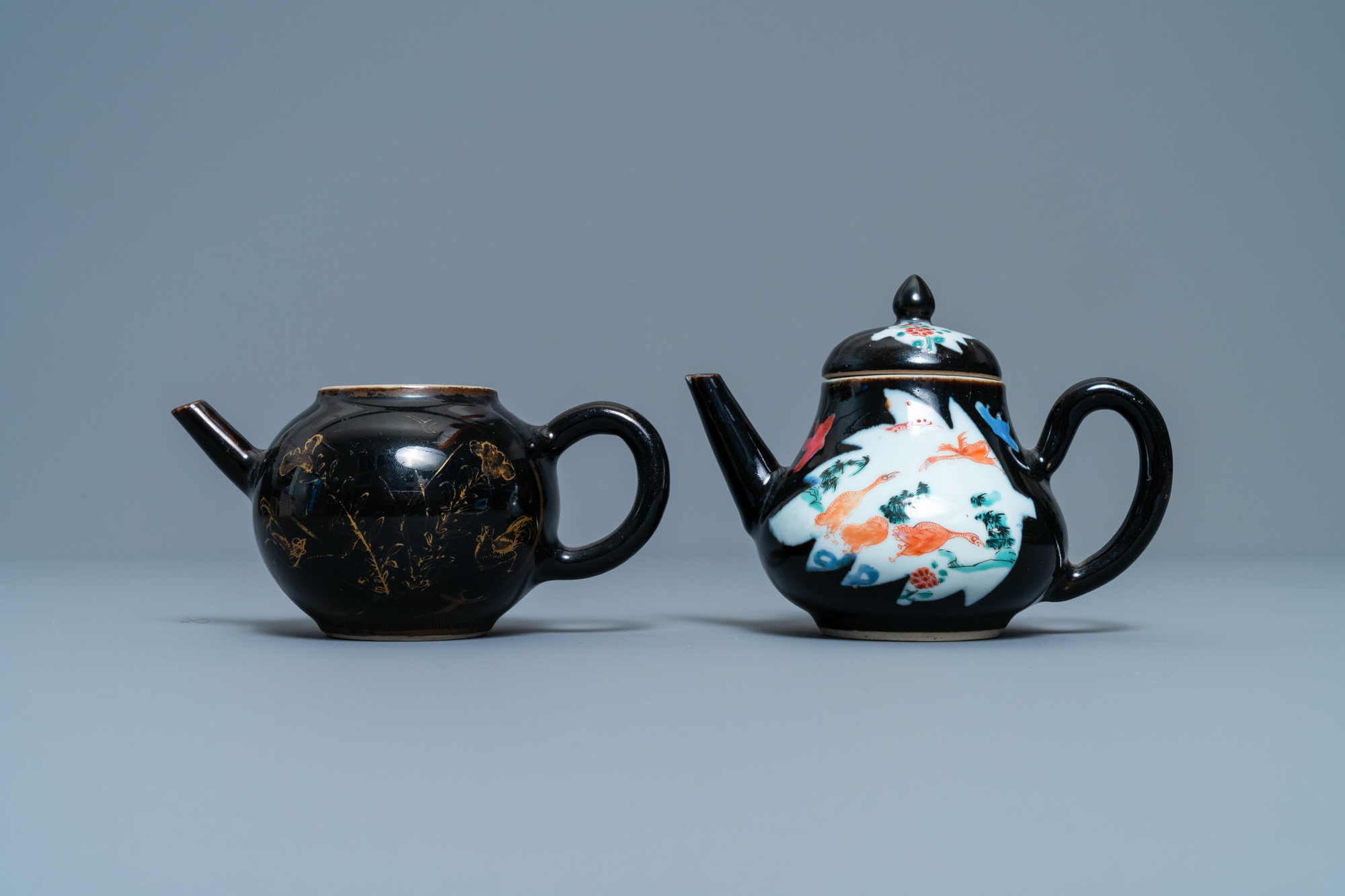 Two Chinese famille noire teapots, a pattipan and two spoon trays, Yongzheng/Qianlong - Image 4 of 9