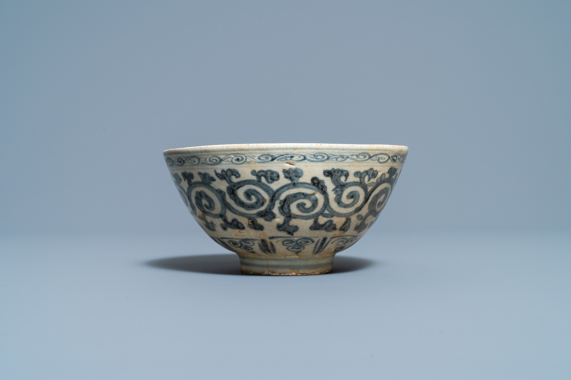 Four blue and white Vietnamese or Annamese ceramics and a Chinese jarlet, 15/16th C. - Image 3 of 12