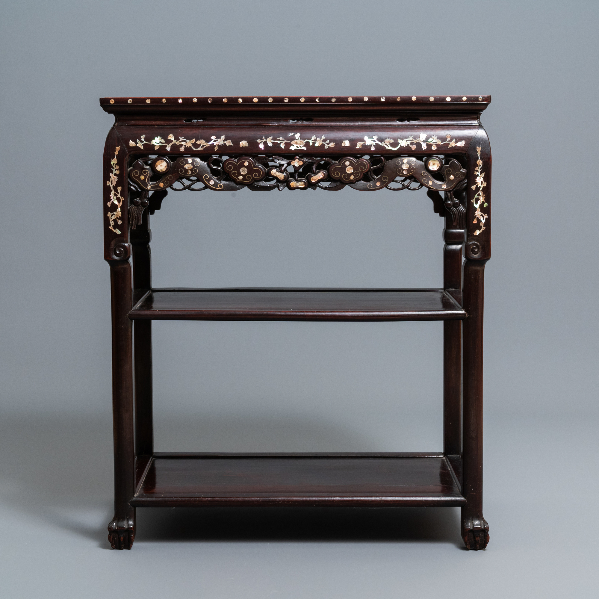A Chinese mother-of-pearl-inlaid wooden sideboard with marble top, 19th C. - Image 2 of 10