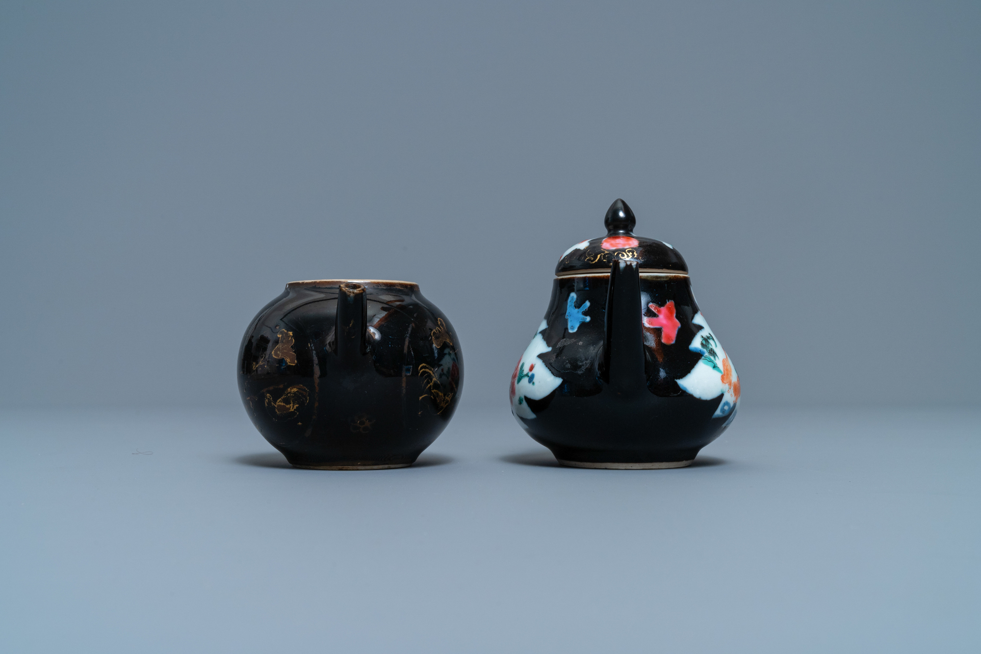 Two Chinese famille noire teapots, a pattipan and two spoon trays, Yongzheng/Qianlong - Image 5 of 9