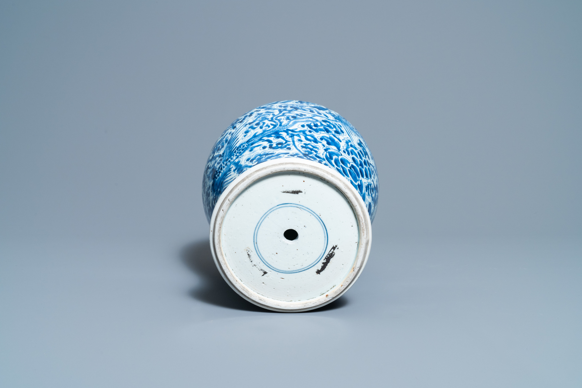 A Chinese blue and white 'phoenixes' vase, Kangxi - Image 6 of 6