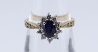 18CT GOLD SAPPHIRE & DIAMOND CLUSTER RING, 3.7gms, ring size P Condition Report: good overall, no
