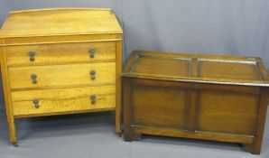 OAK RAILBACK CHEST OF THREE DRAWERS, 87cms H, 79cms W, 44cms D and a polished wooden blanket box,