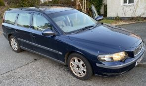 VOLVO V70 2.4 ESTATE REGISTRATION NO: SD51 WVU - blue, petrol, approximately 83,000 miles, with