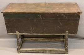 ANTIQUE OAK & PINE DOUGH BIN, the three plank top with cleated ends over a typically formed bin on