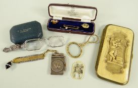 ASSORTED JEWELLERY & COLLECTABLES comprising magnifying glass, marcasite set lorgnettes, 9ct gold