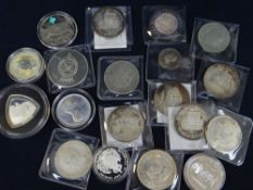 ASSORTED GB & FOREIGN COINS including silver comprising 5 x Elizabeth and Philip silver wedding