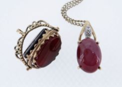 9CT GOLD JEWELLERY comprising 9ct gold pendant set with diamond chips and pink stone cabochon on 9ct
