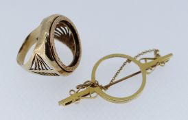 9CT GOLD JEWELLERY comprising scroll design bar brooch and ring, 12gms (2) Condition Report: Both