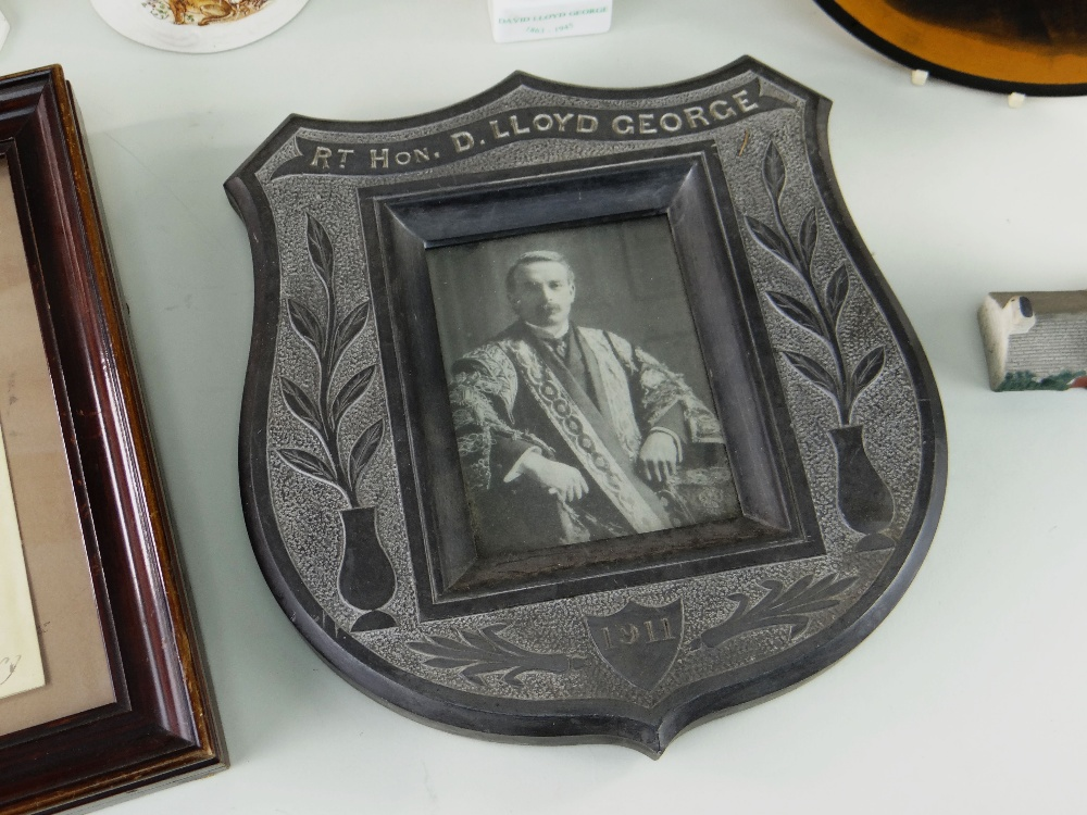 VARIOUS ITEMS RELATING TO FORMER PRIME MINISTER DAVID LLOYD GEORGE (1863-1945) including (1) a - Image 2 of 5