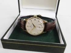 ZENITH GENT'S 9CT GOLD WRISTWATCH having subsidiary seconds dial, dagger hour markers, Arabic