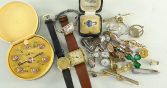 ASSORTED JEWELLERY & WATCHES comprising boxed brooch and studs, coin set and other cufflinks, four