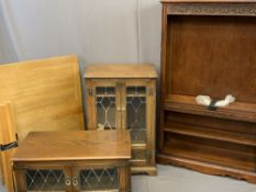 REPRODUCTION FURNITURE ITEMS (4) to include a modern oak extending dining table, 77cms H, 103cms