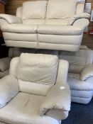 NATUZZI CREAM LEATHER EFFECT THREE PIECE LOUNGE SUITE consisting of three seater settee, 96cms H,