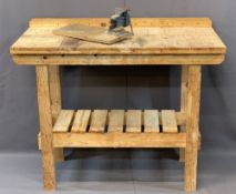 MODERN PINE WORKBENCH with small metal vice, 97cms overall H, 116.5cms W, 54cms D