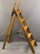 VICTORIAN SIMPLEX STYLE FOLDING LADDER/LIBRARY STEPS, 134.5cms H, 40cms W