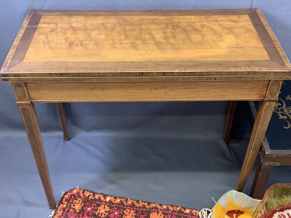 CIRCA 1840 CROSSBANDED SATINWOOD FOLDOVER CARD TABLE with inlaid detail to the tapering supports ( - Image 2 of 5