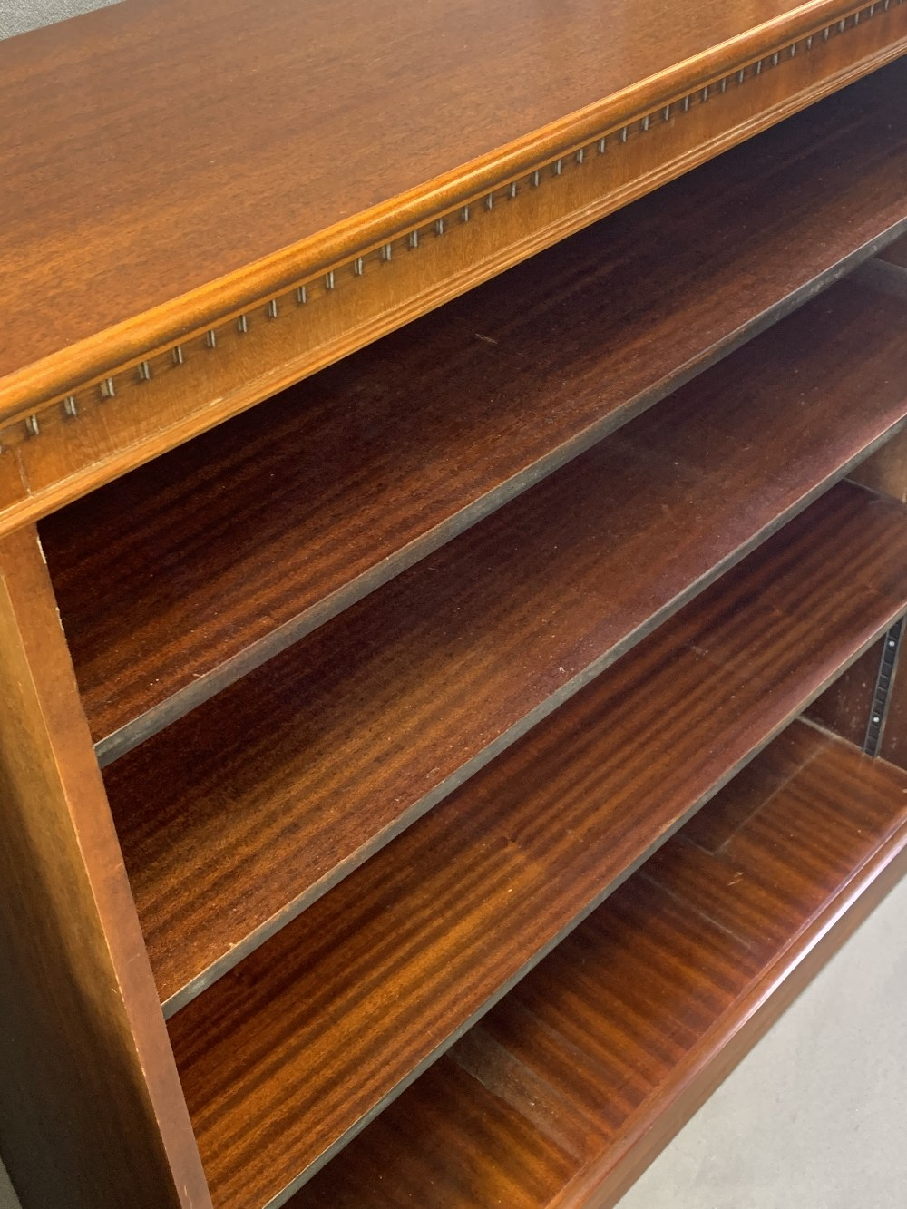 EDWARDIAN & LATER HOUSEHOLD FURNITURE, three items to include a reproduction mahogany open - Image 5 of 6